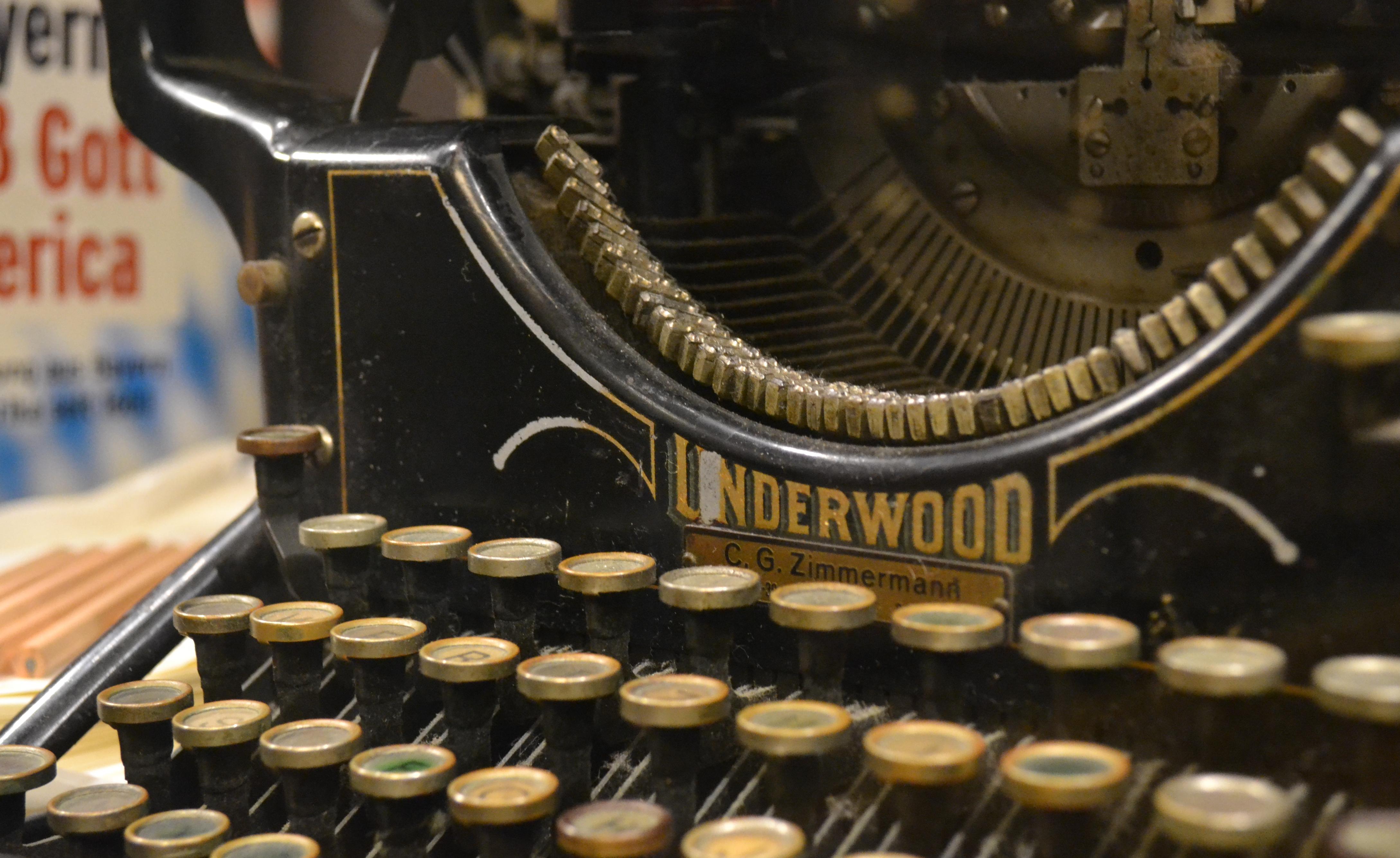Schreibmaschine-(c)Deutsches-Auswandererhaus