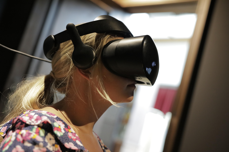 VR-Brille_COPYRIGHT-Deutsches-Auswandererhaus-FOTO-Manuel-Krane